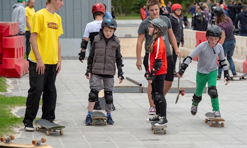 Riverside Roll - Skateboard lessons & activities