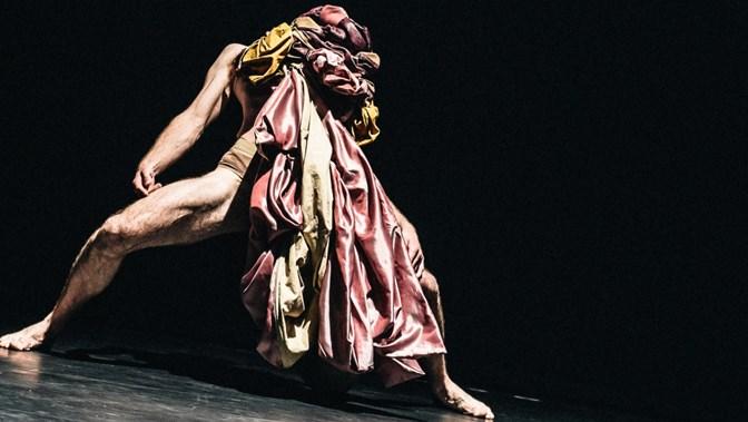 DIG: Scottish Dance Theatre (SCT) & Emanual Gat (IR)   The Circle