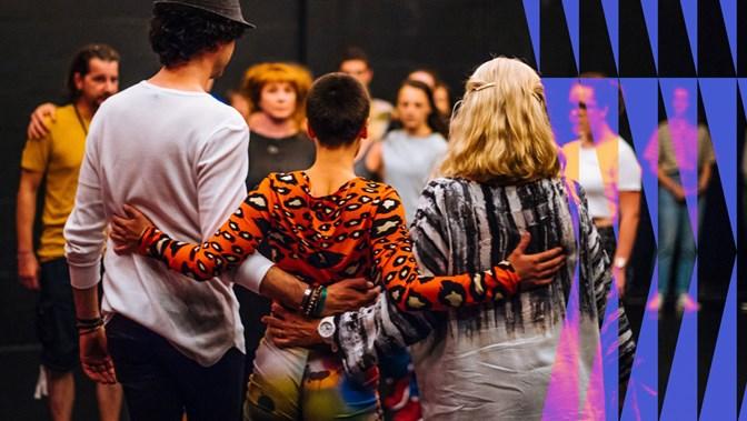 DIG: Scottish Dance Theatre (SCT) & 7Oito (BRA)   Looping: Scotland Overdub