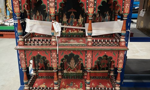 Themed Tour : Around the World in 10 objects