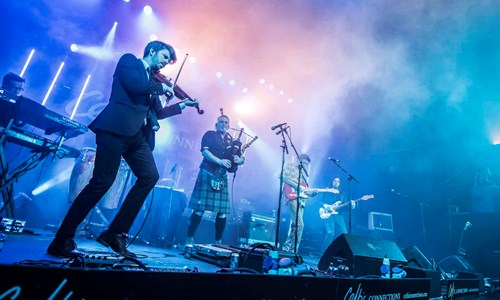 Peatbog Faeries with support from The Shee