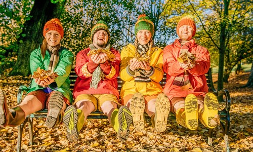 Indepen-dance: Four Go Wild in Wellies