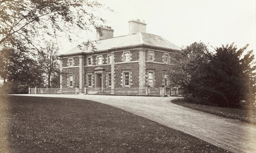 "Mitchell Curious: Revisiting the ""Old Country Houses of the Old Glasgow Gentry"""