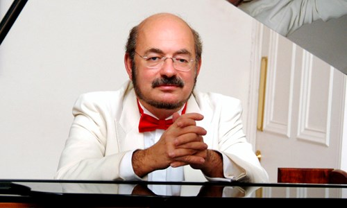 Gusztáv Fenyő plays the complete Preludes & Fugues of Bach and Shostakovich (5/5)